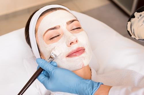 utiliser des produits cosmétiques naturels